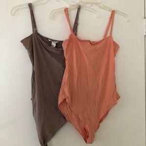 2 bodysuits